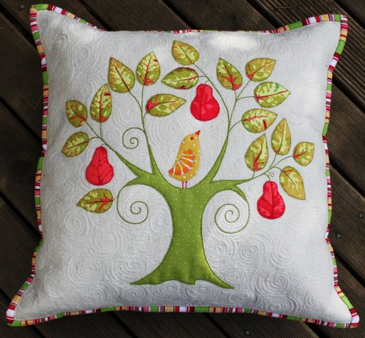 First Day of Christmas Pillow Applique Pattern by Kellie Wulfsohn for Don\u0027t Look Now! by Don\u0027t Look Now! & First Day of Christmas Pillow Applique Pattern by Kellie Wulfsohn ... pillowsntoast.com