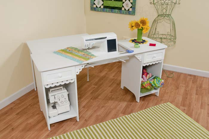 Olivia Sewing Table   White · Olivia   White With Quilt Leaf Extension