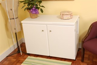 Bertha Cabinet White -Closed