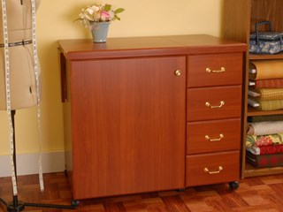 Marilyn Cabinet Cherry -Closed