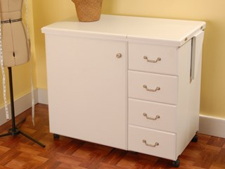 Marilyn Cabinet White -Closed
