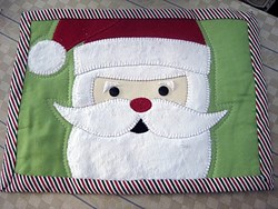 Santa Mug Rug Mini Quilt Pattern by Cut Loose Press