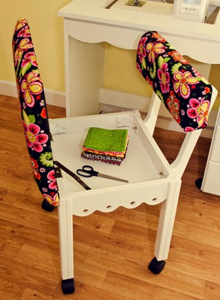 Arrow Sewing Chair - open position