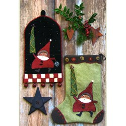 Santa on the Way Stocking & Ringer PatternReets Rags to Stitches