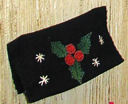 Vintage Find!  Holly Checkbook Cover Kit <br>Hand Dyed Wool